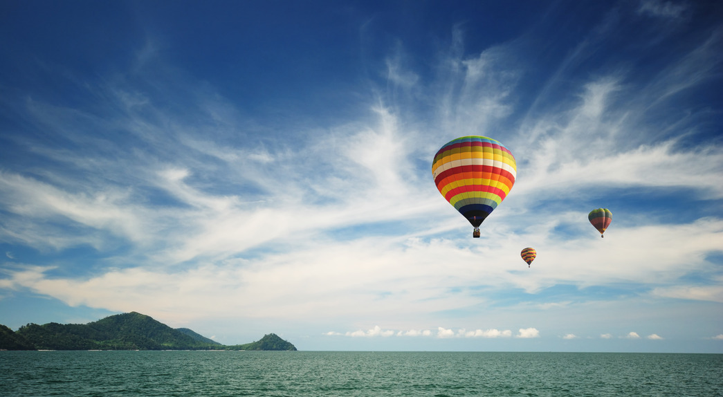 hot-air-balloon-travel-over-andaman-sea-s